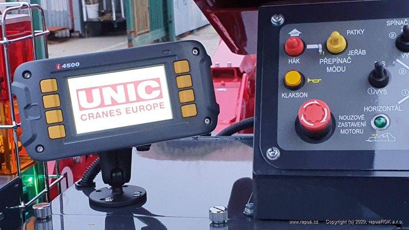 pohled naovládání minijeřábu UNIC 506-3